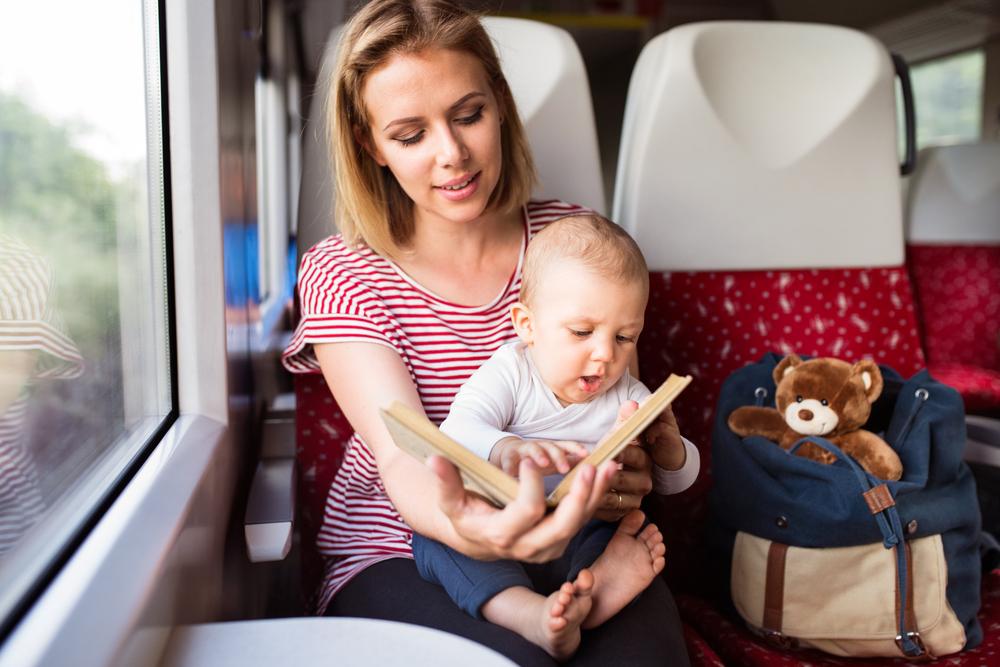 Чем отвлечь ребенка во поездке